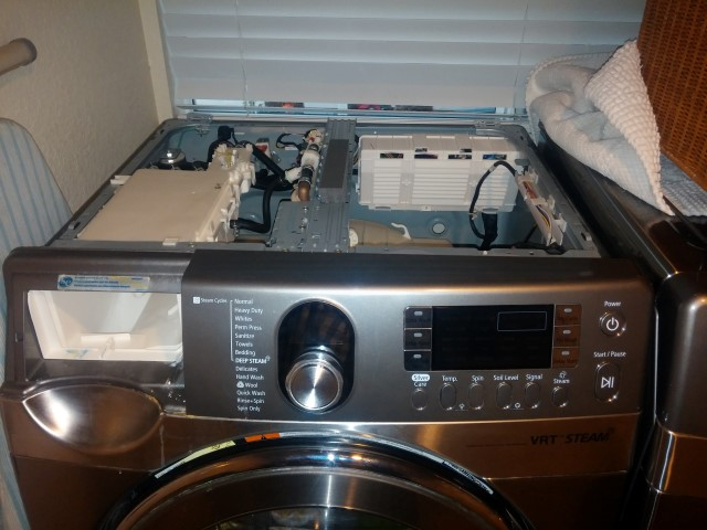 Removing top cover panel from Samsung Washer